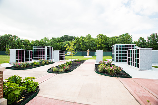 Serenity Columbarium And Memorial Garden. 1 / 5